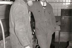Fotoalbum Auke Hoekstra, 090, December 1975 monsternemen bij L. Tijsma Weidum
