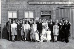 Fotoalbum Dirk Sybrandy, 004, It houlik fan Hendrik Sybrandy en Fokje Sijpersma op 10 july 1946 02