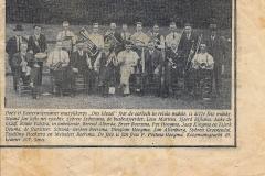 Fotoalbum Johan en Willie Niemarkt, 025, Krantenartikel