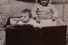 Fotoalbum Laumann-Kingma, Ant Kingma en Sjoerd Kingma, 1947