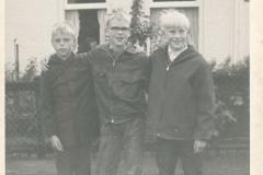 Fotoalbum Piet Boersma, 056, Piet Boersma, Jan Boersma en Jappie van der Werf, 26-08-1969