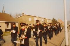 Fotoalbum Piet Boersma, 058, Korps giet troch de buorren, maaie 1984