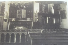 Fotoalbum Yda Terwisscha van Scheltinga, Pastoor Rutjes 1912 in de RK Kerk Easterwierrum