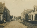 1910_Easterwierrum_Bozumerweg_met_schip_voor_de_brug