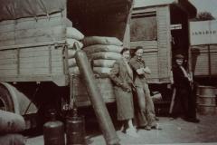 Fotoalbum Frits Hoekstra, 139, PICT0162 Sijpersma op het bodeterrein te Leeuwarden.