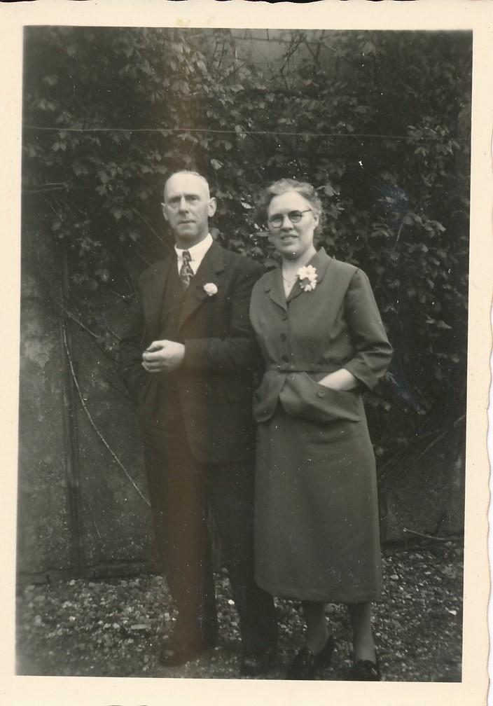 Fotoalbum Andre Kamsma, 009, 5 juny 1953, Bauke Kamsma en Anna Tekstra op 25 jierrich houliksfeest