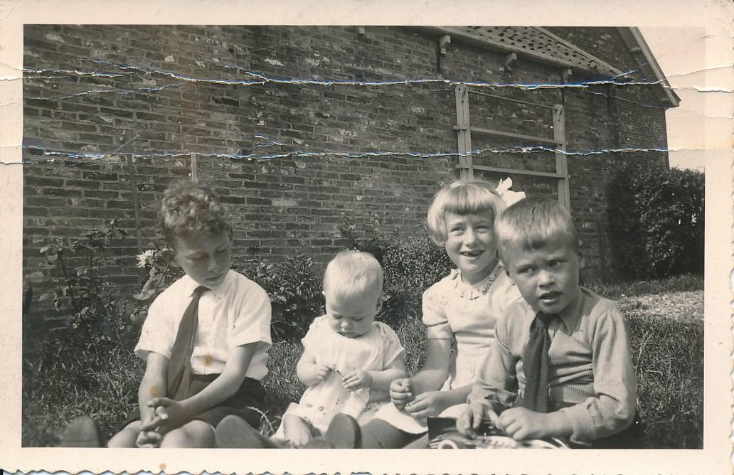 Fotoalbum Andre Kamsma, 016, Bern Kamsma, Andre, Rjimke, Julia en Lauw, jierren 30