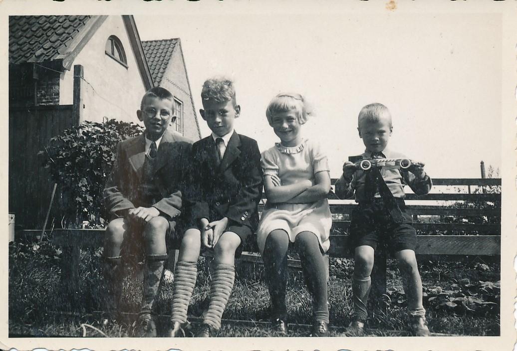 Fotoalbum Andre Kamsma, 023, 1936-1937, Meine, Andre, Julia en Lauw Kamsma
