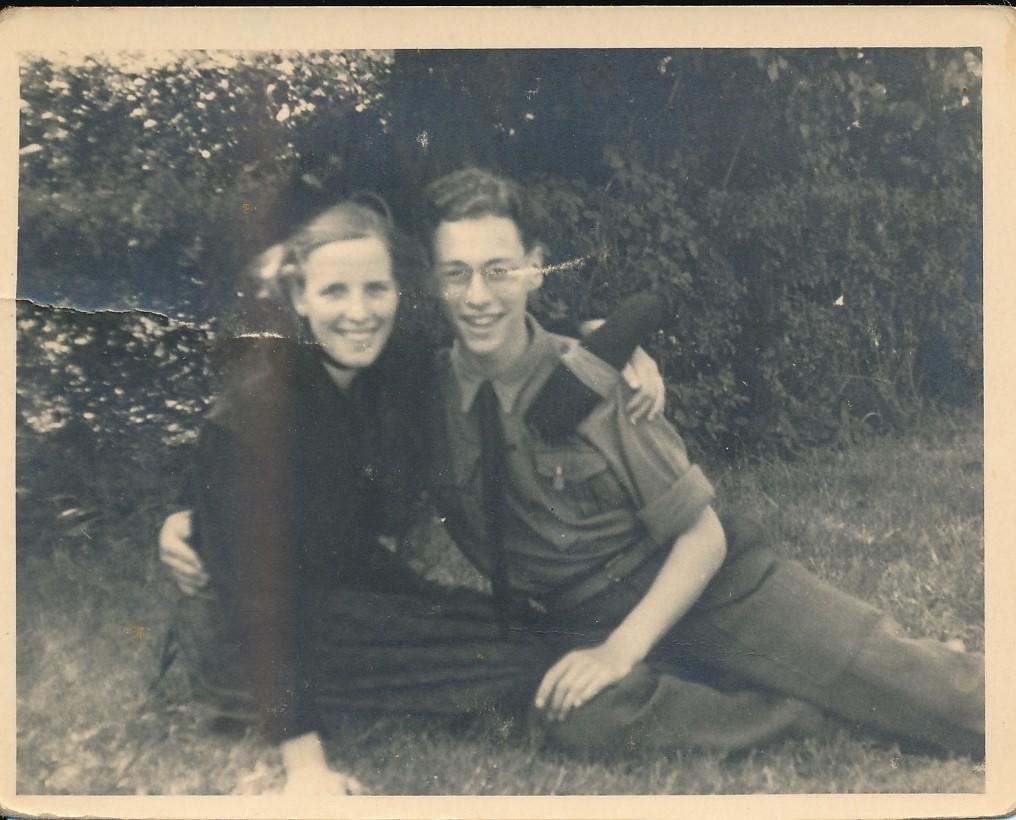 Fotoalbum Andre Kamsma, 054, merke en jubileum 1948, Andre en Julia Kamsma