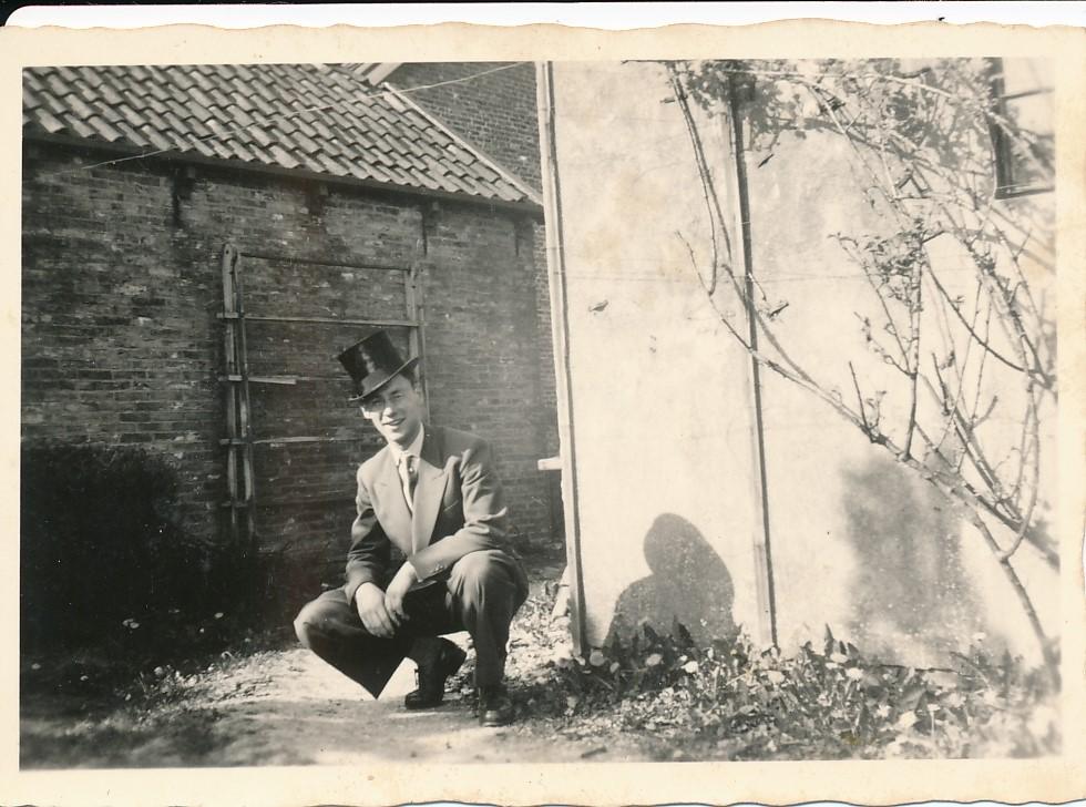 Fotoalbum Andre Kamsma, 060, Andre Kamsma op de Dilledyk, jierren 50