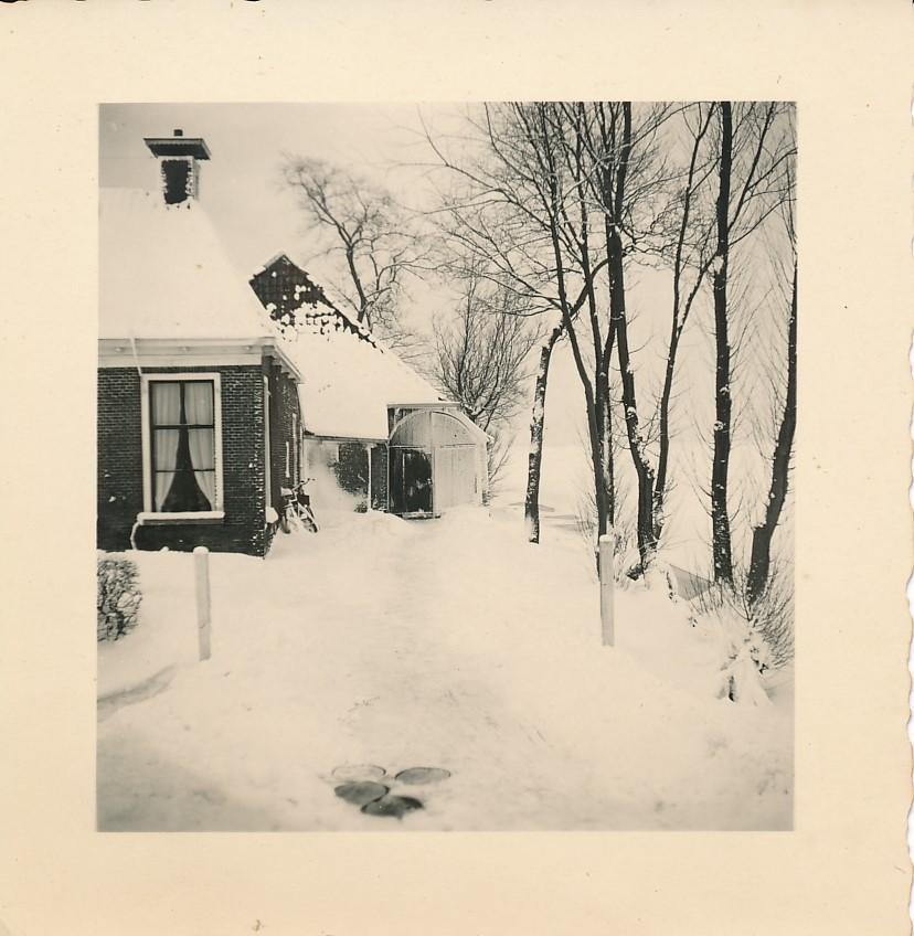 Fotoalbum Andre Kamsma, 077, Winter yn Easterwierrum, Dilledyk, pleats van der Werf, 1955-1956