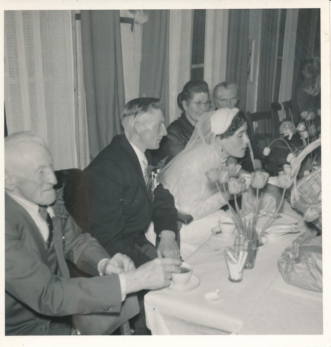 Fotoalbum Andre Kamsma, 078, Houliksfeest fan Hendrine en Frank Monkelbaan, maaie 1957