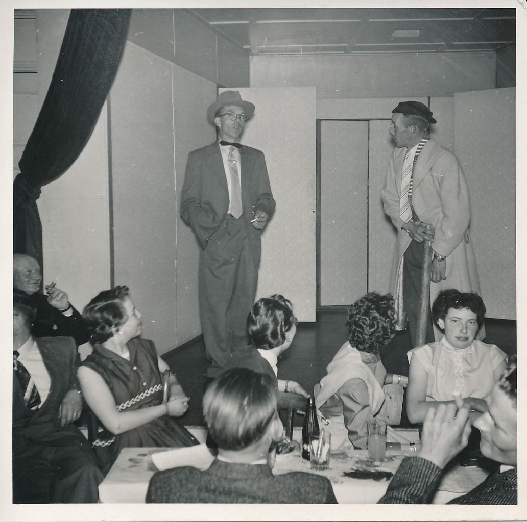 Fotoalbum Andre Kamsma, 080, Houliksfeest fan Hendrine en Frank Monkelbaan, maaie 1957, Jan en Sybren Altenburg