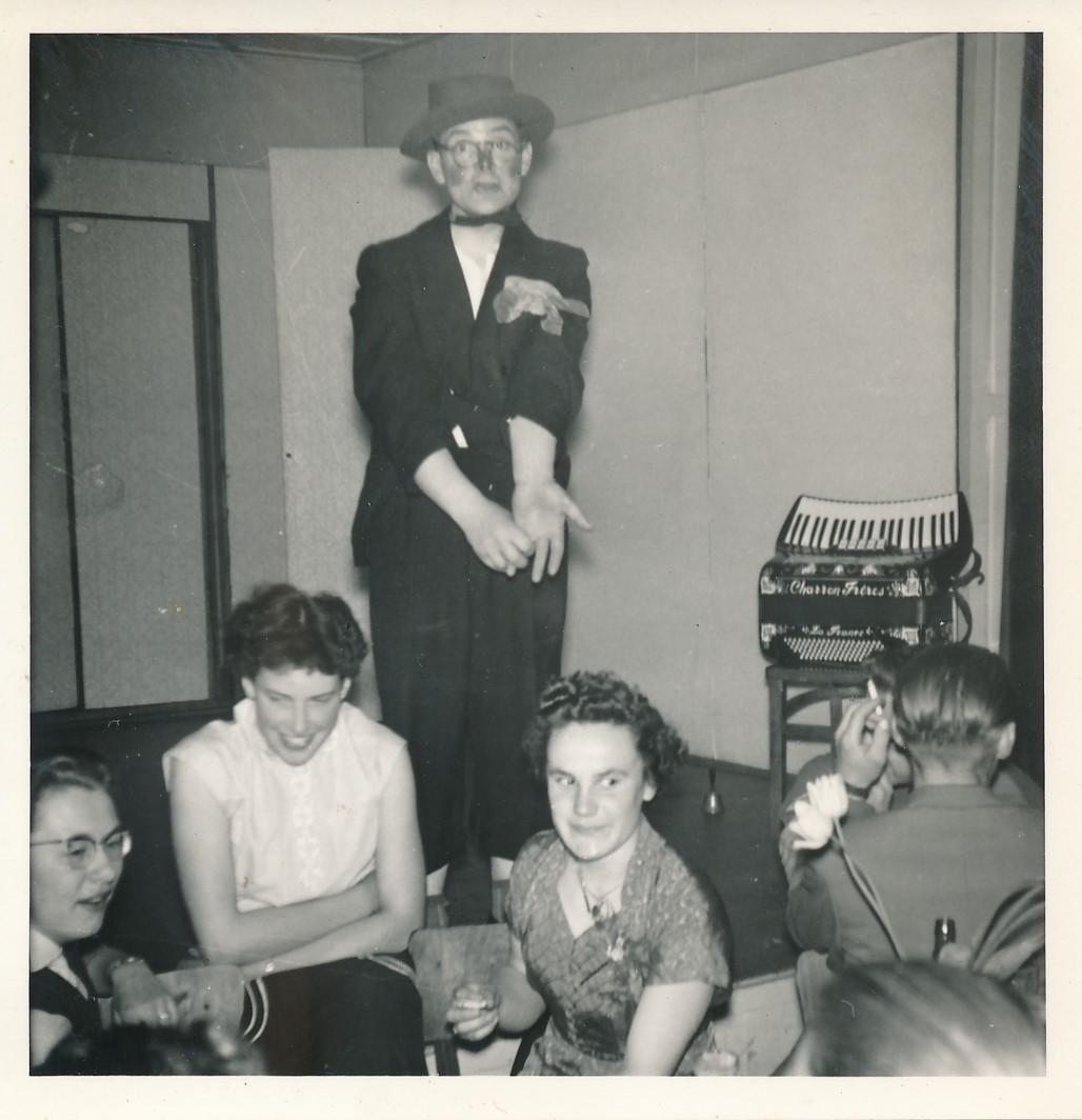 Fotoalbum Andre Kamsma, 082, Houliksfeest fan Hendrine en Frank Monkelbaan, maaie 1957