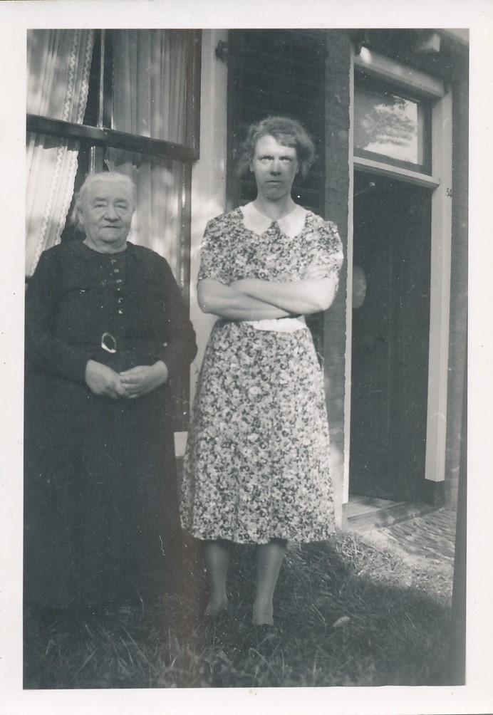 Fotoalbum Andre Kamsma, 105, Otje Palsma, hushâldster fam. Kamsma en Hieke Kamsma, geb. 16-07-1905 - 13-07-1993