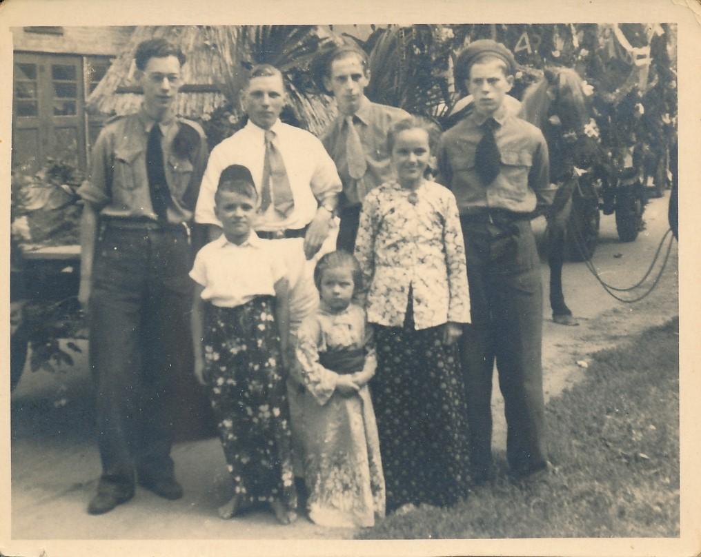 Fotoalbum Andre Kamsma, 154, Jubileum 50 jier Koningin Wilhemina (1898-1948), Optocht yn Easterwierrum