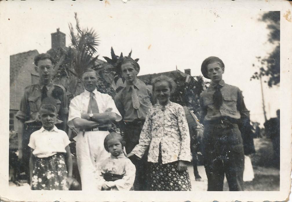 Fotoalbum Andre Kamsma, 156, Jubileum 50 jier Koningin Wilhemina (1898-1948), Optocht yn Easterwierrum, Dilledyk (2)