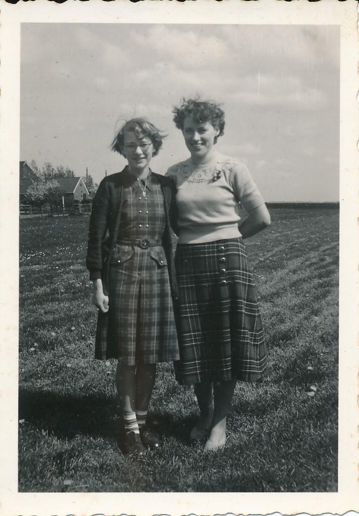 Fotoalbum Andre Kamsma, 164, Julia en Rjimke Kamsma, 1950