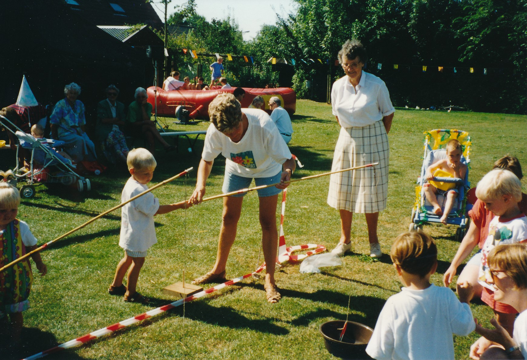 Fotoalbum Anneke Miedema, 005, Merke 1997, augustus, Wieke Brandenburgh, Ria bouhuis, Riek Altenburg