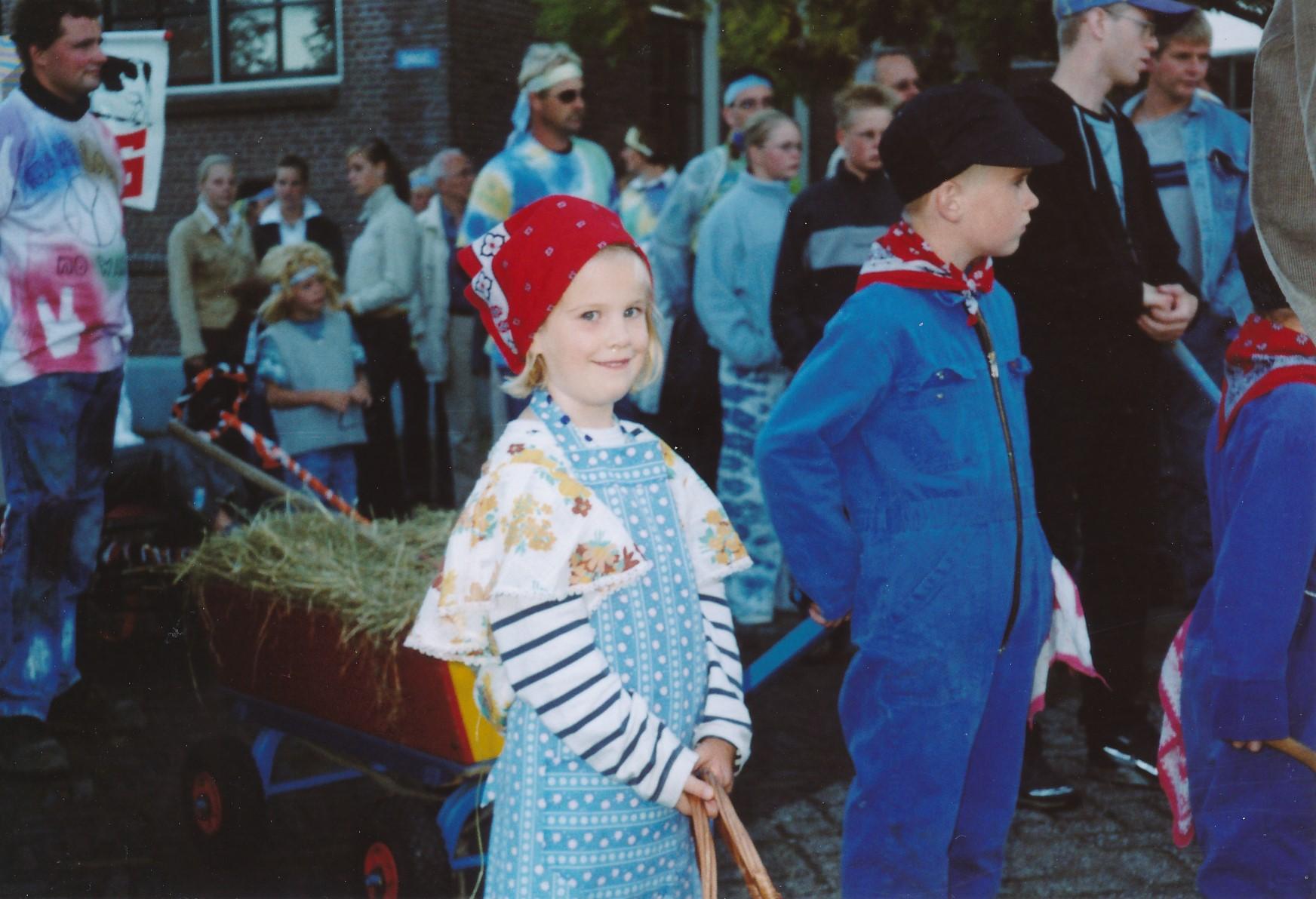 Fotoalbum Anneke Miedema, 015, Optocht Sjoukje en Wierd Miedema, Doeke Schoustra, Theo Melein, Edward Terra en Rene Dijkstra, Merke 2002