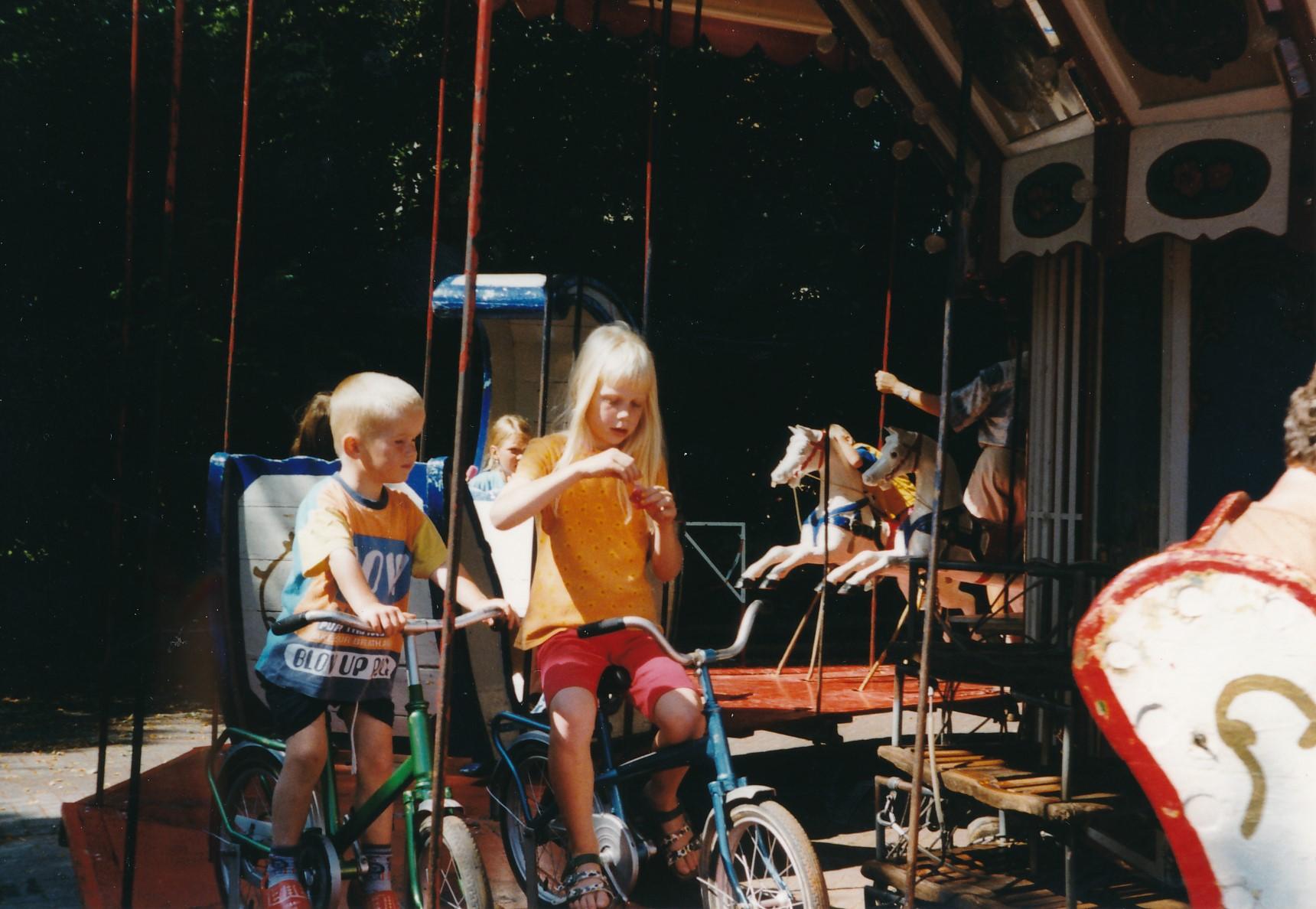 Fotoalbum Anneke Miedema, 062, Jitske en Wierd , merke 1998, augustus