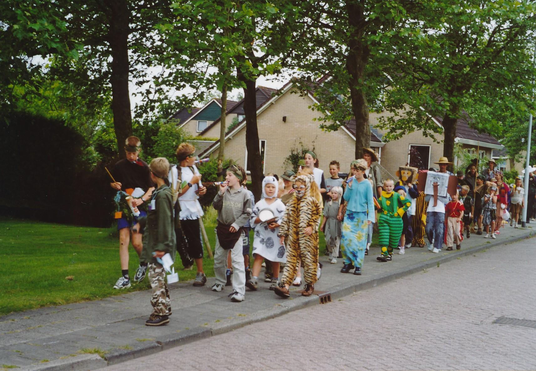 Fotoalbum Anneke Miedema, 097, Lêste skoalledei, juny, 2003