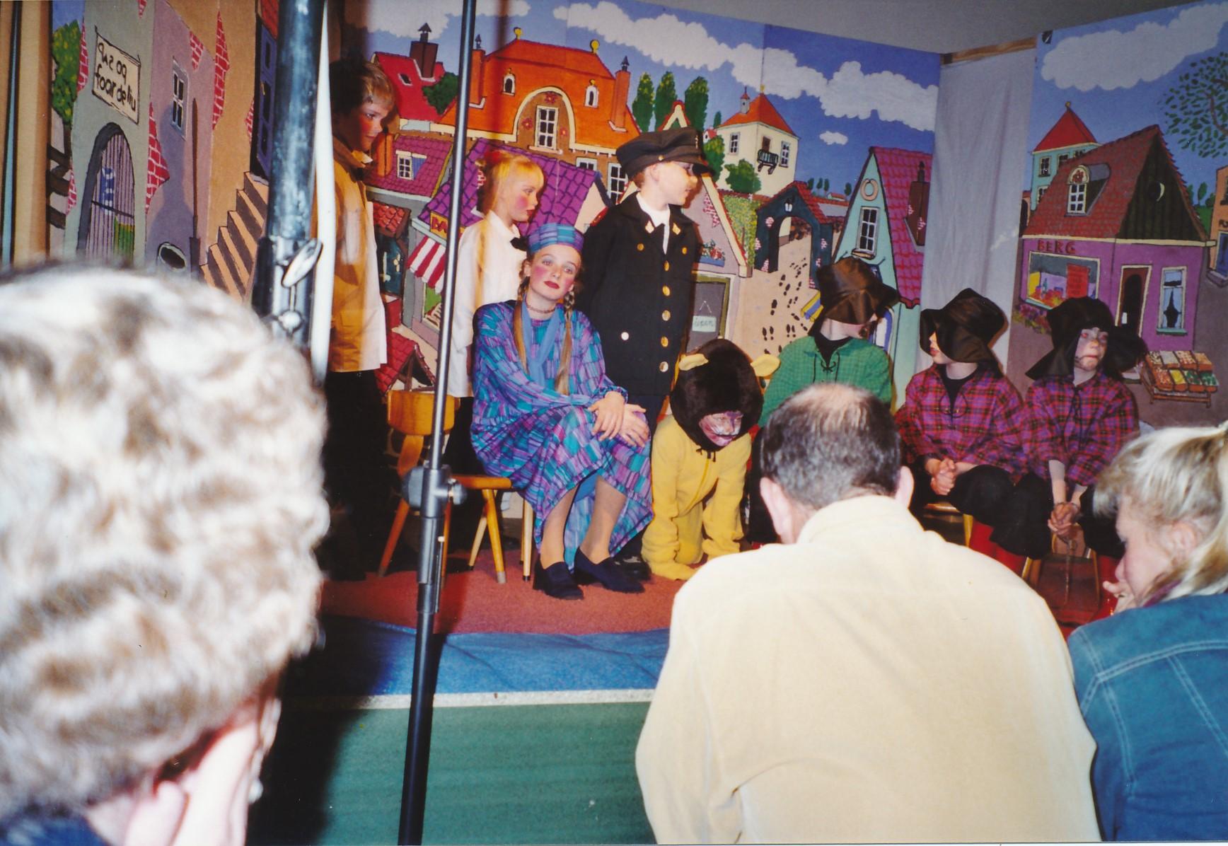 Fotoalbum Anneke Miedema, 108, Musical 2005, u.o. Annemarije Boersma, Timo Abbing, Inez Bootsma, Arjen Dijkstra, Sape Miedema, Jelmer Jongste, Ate Boersma, Sjoerd Rozenberg