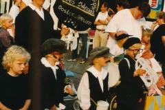 Fotoalbum Anneke Miedema, 025, Optocht, u.o. Ada Dijkstra, Sjoerd Rozenberg, Wytske Dijkstra, Arjen Dijkstra, Nynke Dijkstra, Merke 1996