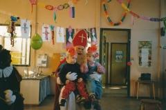 Fotoalbum Anneke Miedema, 036, Sinterklaas 1991, Jitske Miedema en Karin Douma