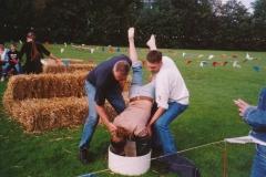 Fotoalbum Anneke Miedema, 082, Merke 2003, Jan de Schiffart, Harmina oer e kop en Johan Boersma