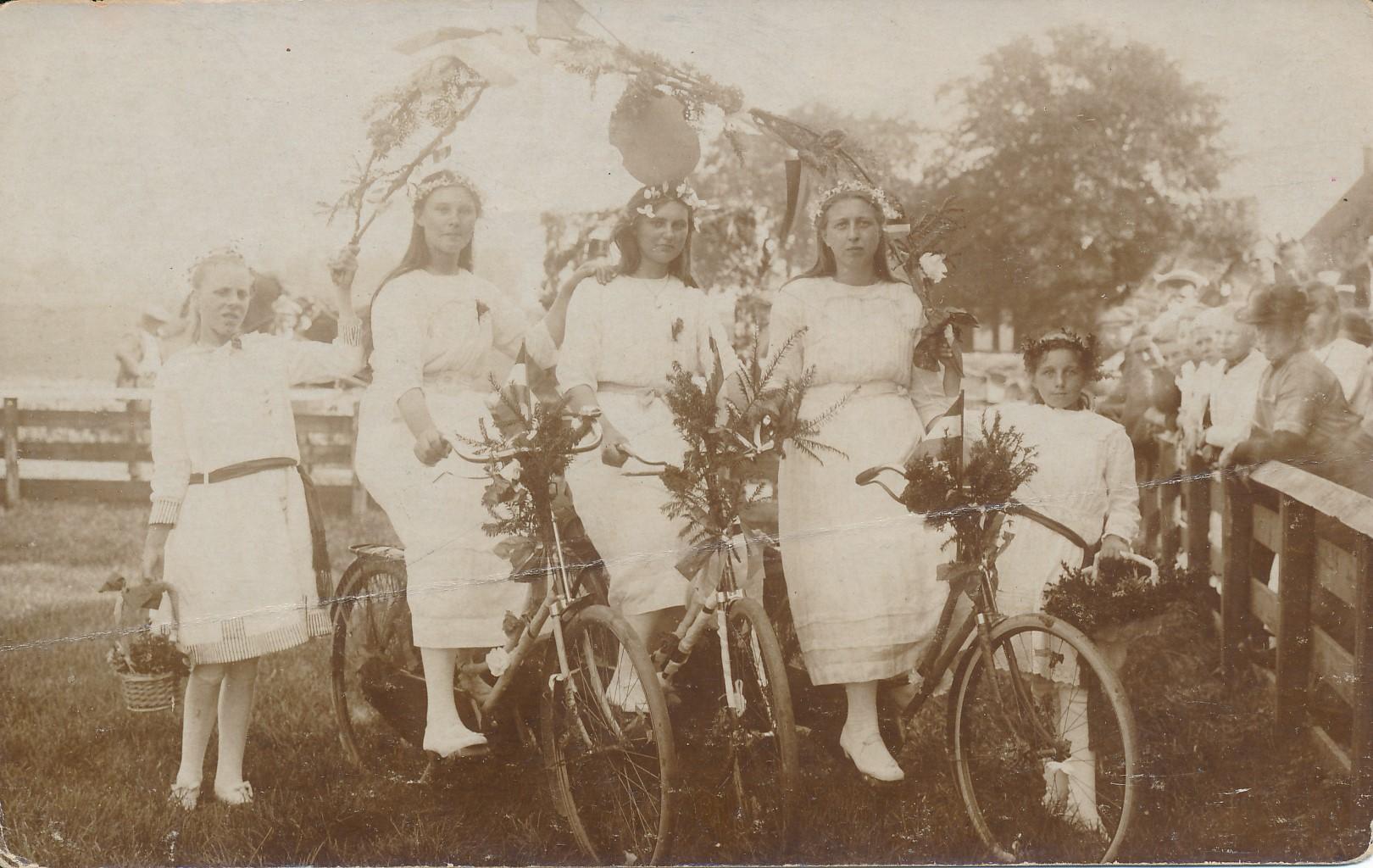 Fotoalbum Eddie Groen, 006, froulju unbekind, ca. 1917-1918