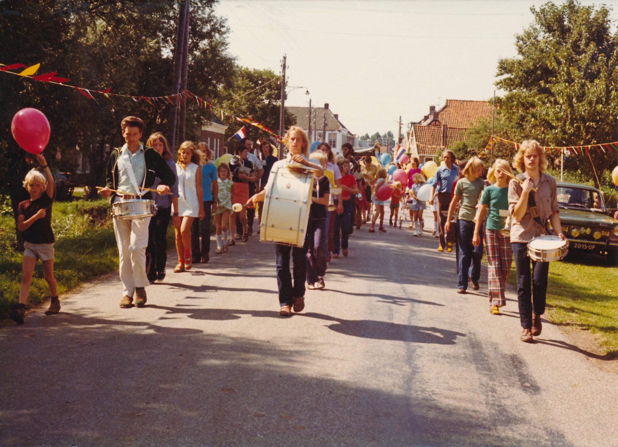 Fotoalbum Eddie Groen, 024, 100 jierrich bestean fan skoalle Easterwierrum