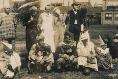 Fotoalbum Eddie Groen, 026 - Merkefoto jierren 30 - u.o. Tjalling Groen en Arjen Postuma (Âld smit)