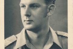 Fotoalbum-Gjetsje-Meintema-Coenraads-012-Bontje-Bonne-Doeke-Meintema-July-1949