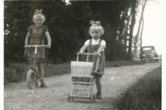 Fotoalbum-Gjetsje-Meintema-Coenraads-017-Stien-tje-en-Gjetsje-Meintema-1957