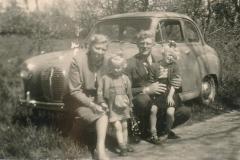 Fotoalbum-Gjetsje-Meintema-Coenraads-029-Fam.-Meintema-1956-a