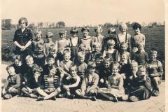 Fotoalbum-Gjetsje-Meintema-Coenraads-040-Skoalfoto-jierren-60