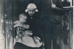 Fotoalbum-Gjetsje-Meintema-Coenraads-049-Bontje-Doekes-Meintema-1850-1904-en-Antje-Siedses-Goslinga-