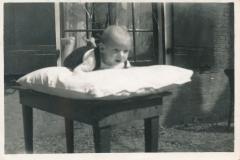Fotoalbum-Gjetje-Wondaal-Hoekstra-015-Auke-Nauta-benne-yn-1938