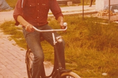 Fotoalbum-Fam.-Hoekstra-032-Frits-Hoekstra-op-de-Skuorrehôf-jierren-80