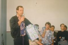 Fotoalbum Jan en Marja Schotanus, 002, Ynweiding lietklok, 1993-1994, u.o. Skoalmaster, Arno de Vries, Bokke Eekerk, Durk Geart Siesling, Jaap Mulder en Meint Miedema