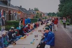 Fotoalbum Piet van der Meer 24, Pannekoek ite op de Doarpsstrjitte, jier net bekend