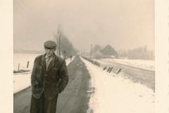 Fotoalbum Sytse Alberda, 010, Heit fan Sytse Alberda op de Dille rjochting Easterwierrum, februari 1962