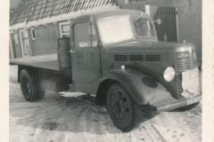 Fotoalbum Sytse Alberda, 029, Februari 1963, frachtwein Alberda neist de wenning fan Alberda