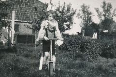 Fotoalbum Sytse Alberda, 062, Rennie mei Sytse op de autopet