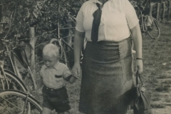 Fotoalbum Sytse Alberda, 066, mei mem nei de merke, augustus 1950