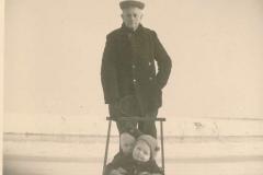 Fotoalbum Sytse Alberda, 073, Yn de snie mei de slee, decimber 1950