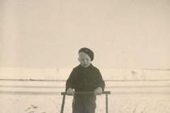 Fotoalbum Sytse Alberda, 074, Yn de snie mei de slee, decimber 1950