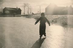 Fotoalbum Sytse Alberda, 077, Sytse Alberda op it iis âld feart, jan. 1951