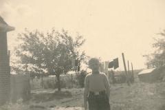 Fotoalbum Sytse Alberda, 093, De kunstmestzakken zijn weer gewassen, 1954